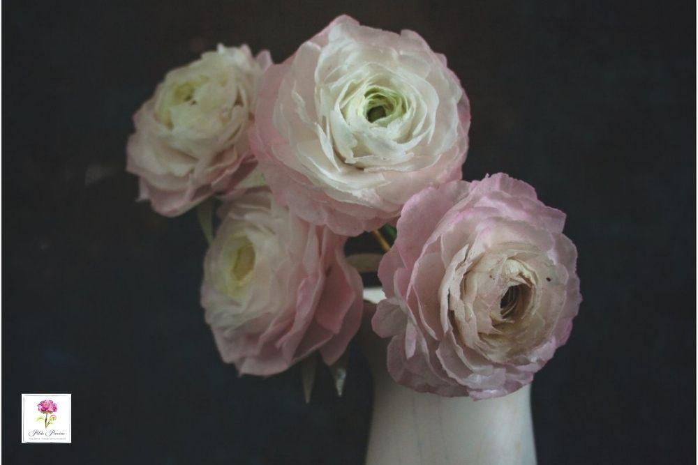 AkademiaTortu Beata Tomasiewicz Ranunculous Wafer Paper Flower